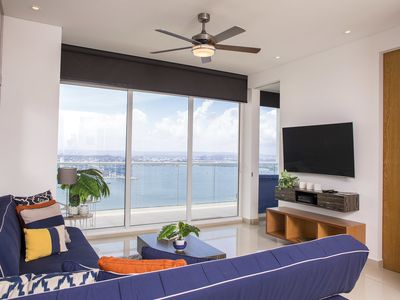 Photo for Breathtaking Bay View Apartment at H2/ HYATT Cartagena