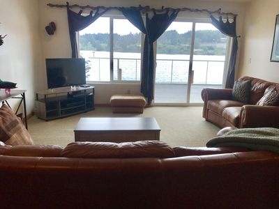 Photo for The Dunes Retreat  - Centrally located near shops and restaurants -  River Front