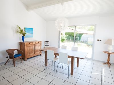 Photo for Bright and spacious home on the Bassin d'Arcachon 3 km from the Dune du Pyl