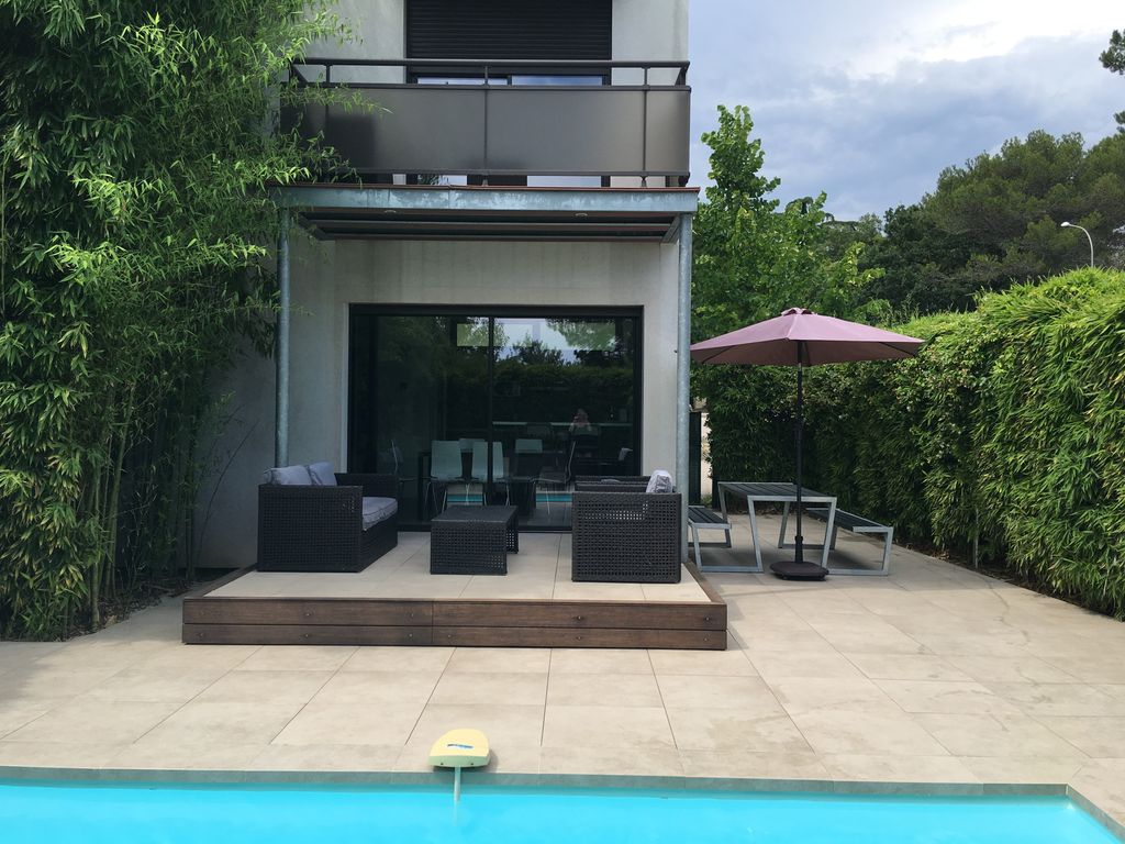 Pin Parasol Distance Maison maison des bambous, 4 star contemporary house with private heated pool -  antibes old town