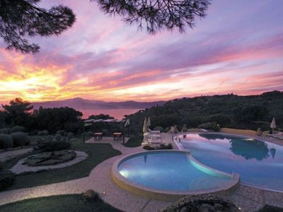 Photo for Two-room flat 3 beds in Residence with swimming pool and tennis near the sea.
