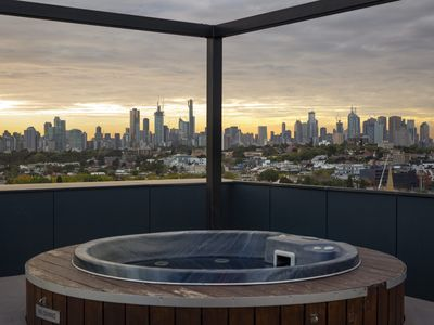 Photo for THE BIRDCAGE Luxury 4 Bedroom Penthouse Views Cinema BBQ Jacuzzi