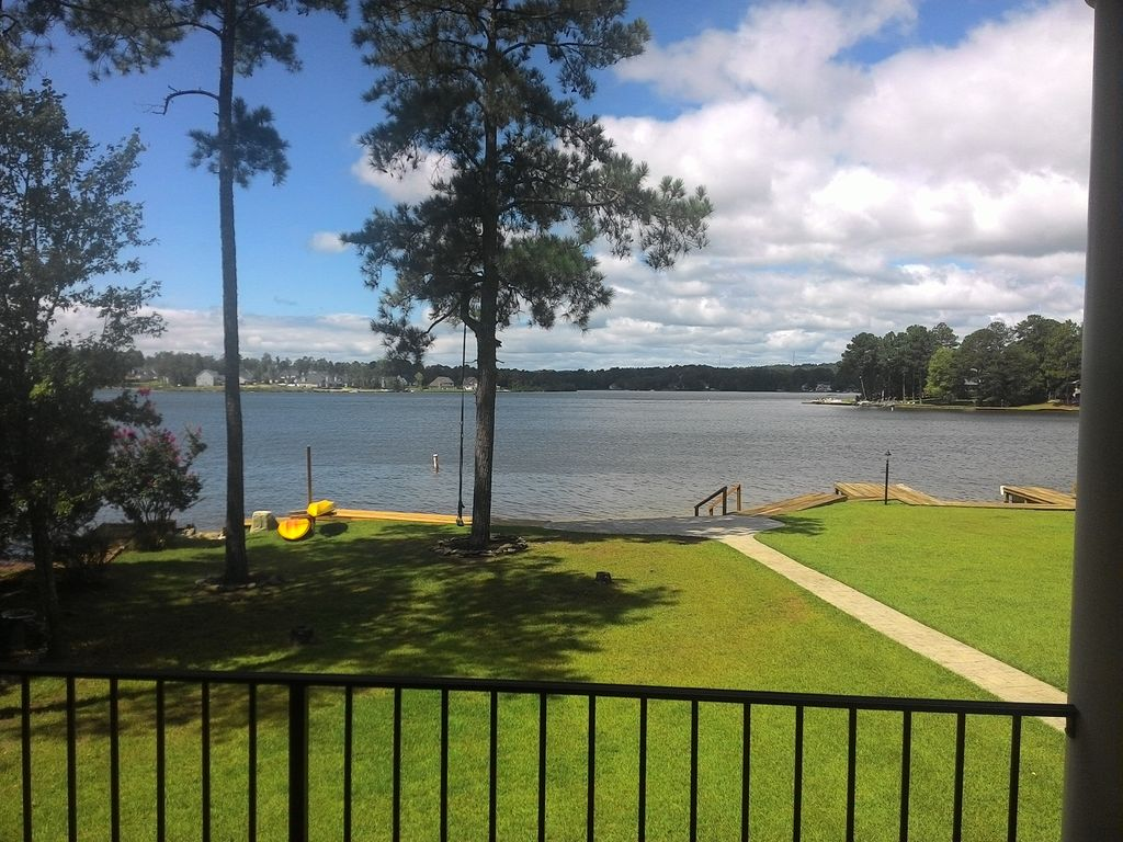Lakefront carolina retreat in private community near fort - Campbell community center swimming pool ...