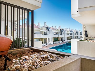 Photo for Beautiful 2 bed Apartment, Shared pool and air conditioning.