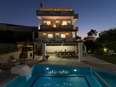 Photo for Villa Daffodil - Spacious and Comfortable Property with 4 Bedrooms, A/C and Private Pool ! Free WiFi