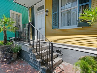 Photo for Vintage home w/ balcony, jetted tub, & WiFi - close to the French Quarter!