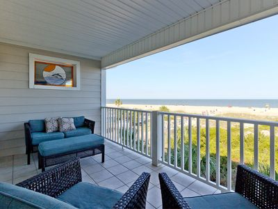 Directly Oceanfront Townhome, Beachfront, Community Pools, Pet Friendly