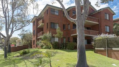 Photo for Amanda Court, 15/1 Weatherly Close - so close to Little Beach