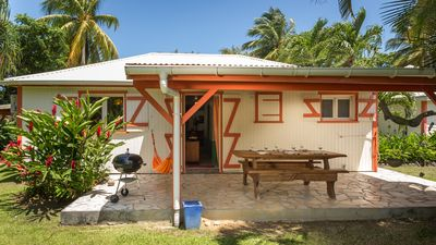 Photo for Holiday house with pool in a tropical garden, beach at walking distance