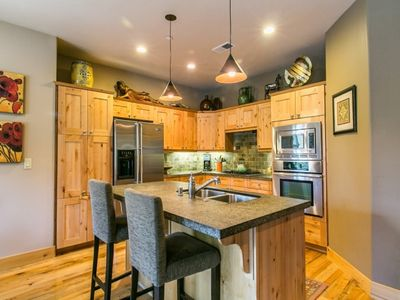 Photo for Beautiful townhome .5 mile walk to downtown Truckee! Clean and contemporary.