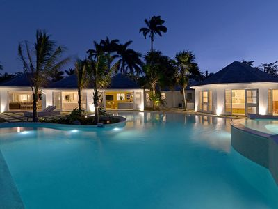Photo for Cozy Beachfront Villa, Heated Infinity Edge, Zero Entry Pool, Hot Tub for 10, 75-inch Curved TV
