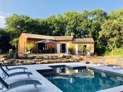 Photo for Pretty house in the heart of the Aix countryside, near Sainte Victoire