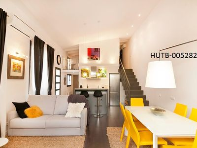 Photo for Apartment 1.1 km from the center of Barcelona with Internet, Air conditioning, Lift, Terrace (443312)