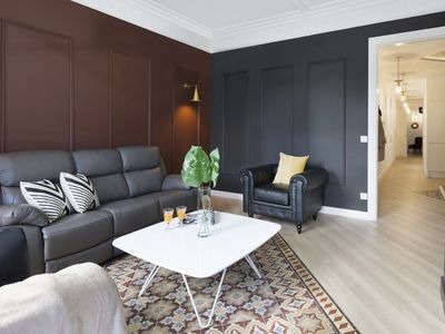 Photo for Royal Valencia 3 apartment in Eixample Dreta with WiFi, air conditioning, balcony & lift.