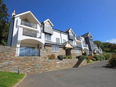 Photo for THE HOOT, 16 ST ELMO COURT, family friendly in Salcombe, Ref 995513