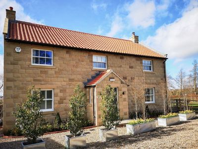 Photo for 2 bedroom accommodation in Thimbleby, near Northallerton