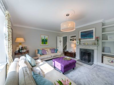 Photo for Large house near Goodwood with extensive private parking