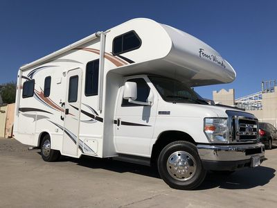 Photo for 24' Thor Motor Coach FOUR WINDS