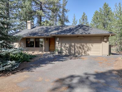 Photo for NEW LISTING! Modern, dog-friendly home w/shared tennis & basketball