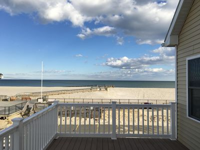 Photo for Oceanfront 2 family house 2nd fl unit, 3yr new,spectacular views,parking,badges