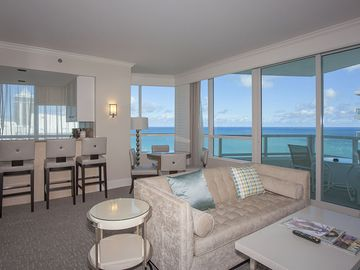 Fontainebleau Resort Upscale Beach front One BR Ocean View