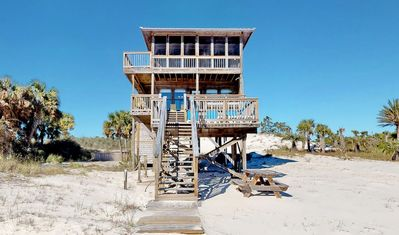 """Photo for Bask on the beachfront and enjoy the hot tub! Free Wi-Fi & Beach Gear 3 BR/2.5 BA East End """"1 Beach Memory"""""""