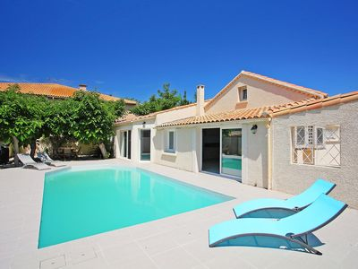 Photo for Lovely apartment for 10 guests with WIFI, A/C, private pool, TV and parking