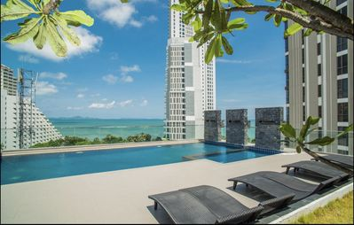 Photo for ⭐️Stylish,privacy,rooftop pool,serenity pattaya