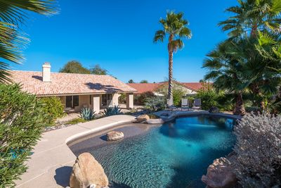 Paradise in your back yard ,relax exhale,complete privacy!