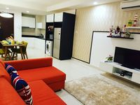 Joan's unit is clean and comfortable. There are two convenient shops where we can buy snacks and