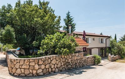 Photo for 6 bedroom accommodation in Starigrad