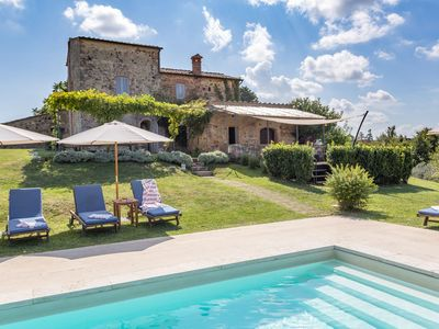 Photo for Country House / Farm House in Trequanda with 6 bedrooms sleeps 11