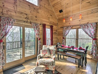 Photo for Beech Mountain Cabin w/ 180° Views - Near Hiking!