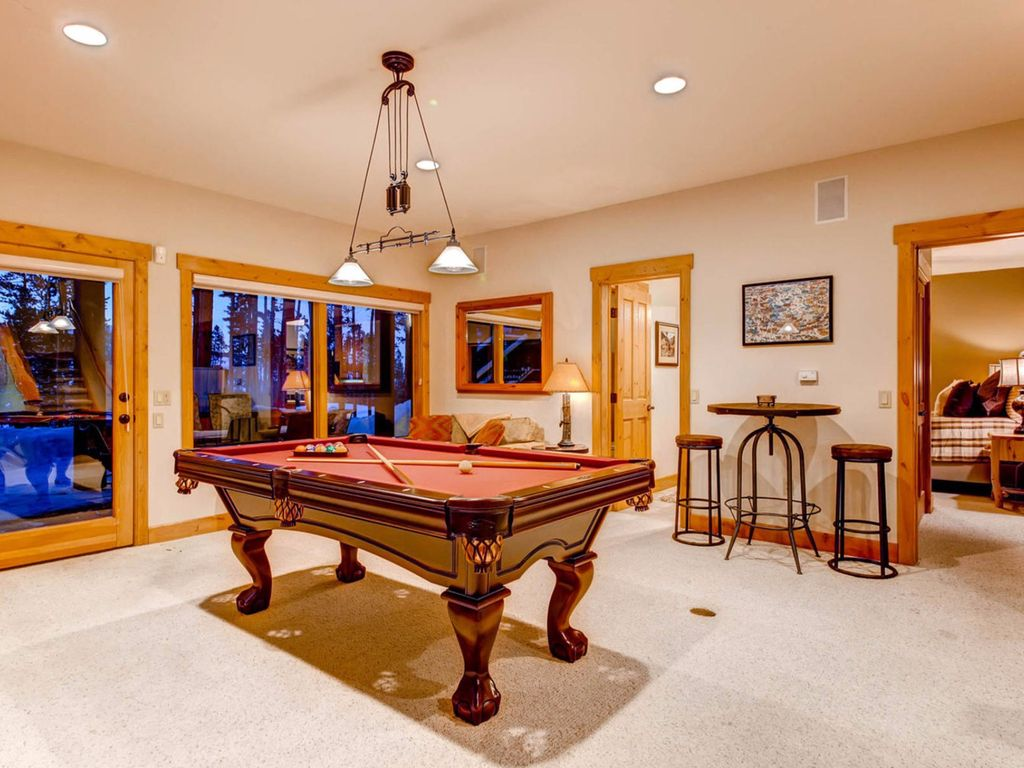 Fairview Lodge: Hot Tub, Golf Course, Pool Table, WIFI, Central Location