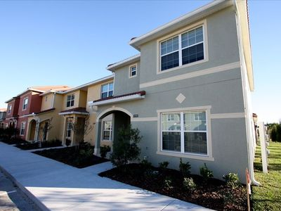 Awesome 5 bed 4 bath corner town home