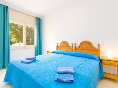 "Photo for Apartment a short walk away (104 m) from the ""Cala Almadrava"" in Roses with Parking, Internet, Washing machine, Pool (31003)"
