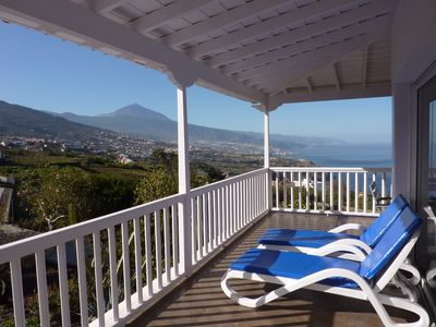 Photo for Villa with pool, gorgeous views of the north coast and the Teide W-lan