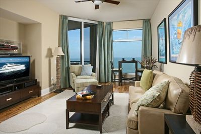 Family Room with Oceanfront Views and HD LCD TV