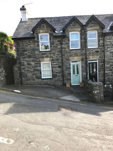 Photo for Three bed character cottage in the centre of Harlech & overlooking the castle