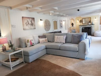 Very large sitting room with 2 corner sofas