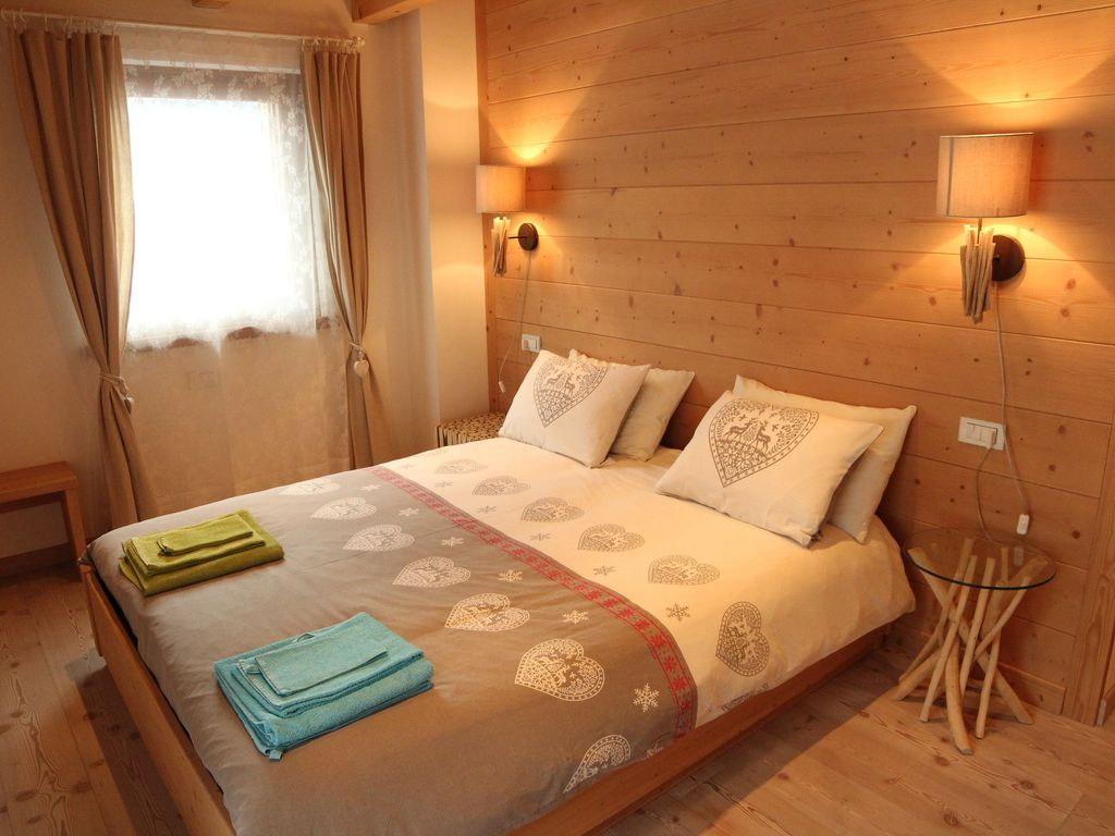 Dolomites apartment erica mountain a few minutes from for Arredamento montagna on line