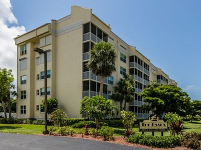 Photo for ESSXN503 - Beautiful 2 bedroom condo on south end, close to beach