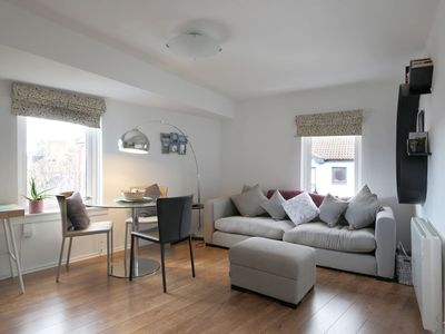Photo for Charming modern one bed apartment at the Shore!