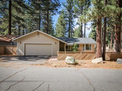Photo for Comfy single-level, dog-friendly home w/ gas fireplace, near Heavenly