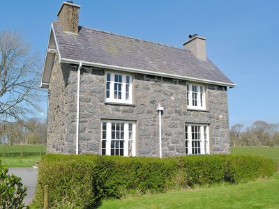 4 bedroom accommodation in Criccieth
