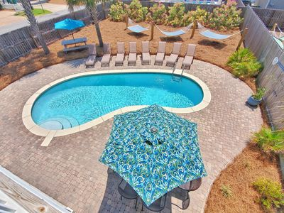 Large 28'x15' Private Saltwater Pool! Outdoor Dining Table, Picnic Table and 3 H