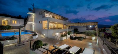 Photo for Villa with private swim pool, 40 meters from the sea