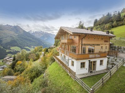 Photo for Luxury apartment, quiet location, stunning views of 1150 m.