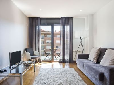Photo for Attractive apartment with terrace in Les Corts
