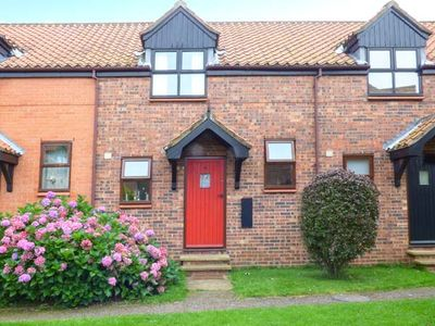 Photo for BIFFINS BERTH, pet friendly, with pool in Whitby, Ref 1837